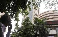 Nifty stocks got red in Global Recession, rupee falls 66.49per $